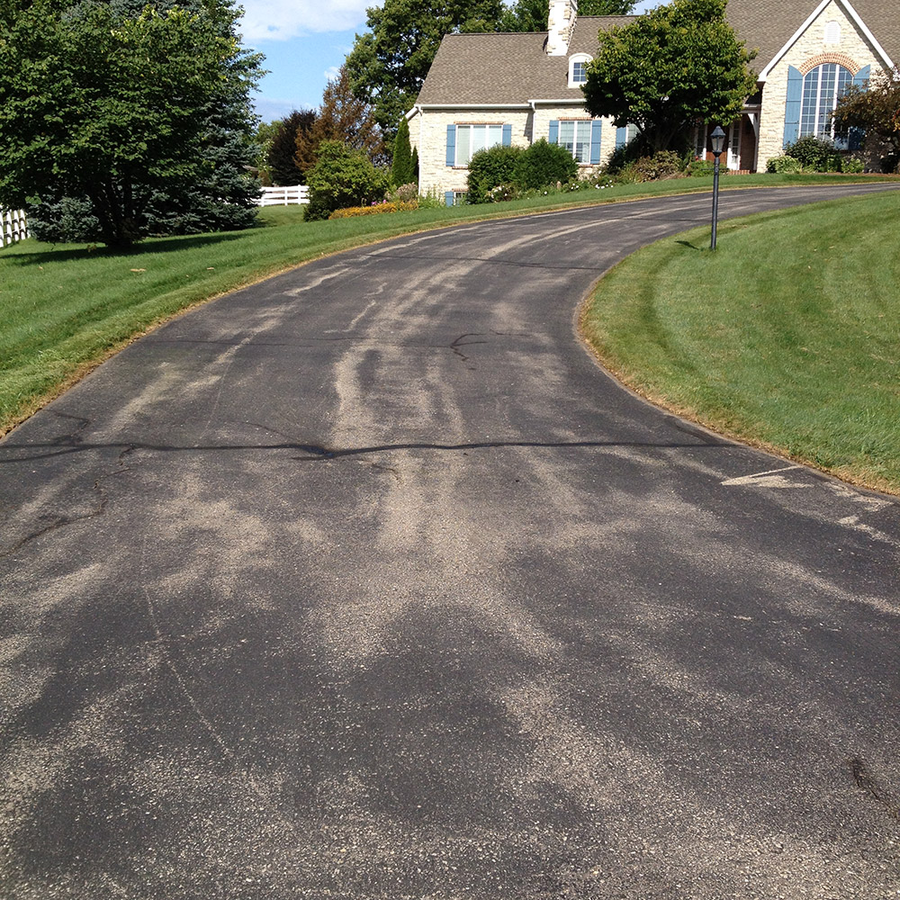 Residential sealcoating services hallman asphalt sealing when your driveway is freshly sealed it looks brand new hallman asphalt sealing makes it easy and affordable seal coating is what we do all day long solutioingenieria Image collections
